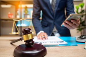 Comment choisir un bon avocat civil ?